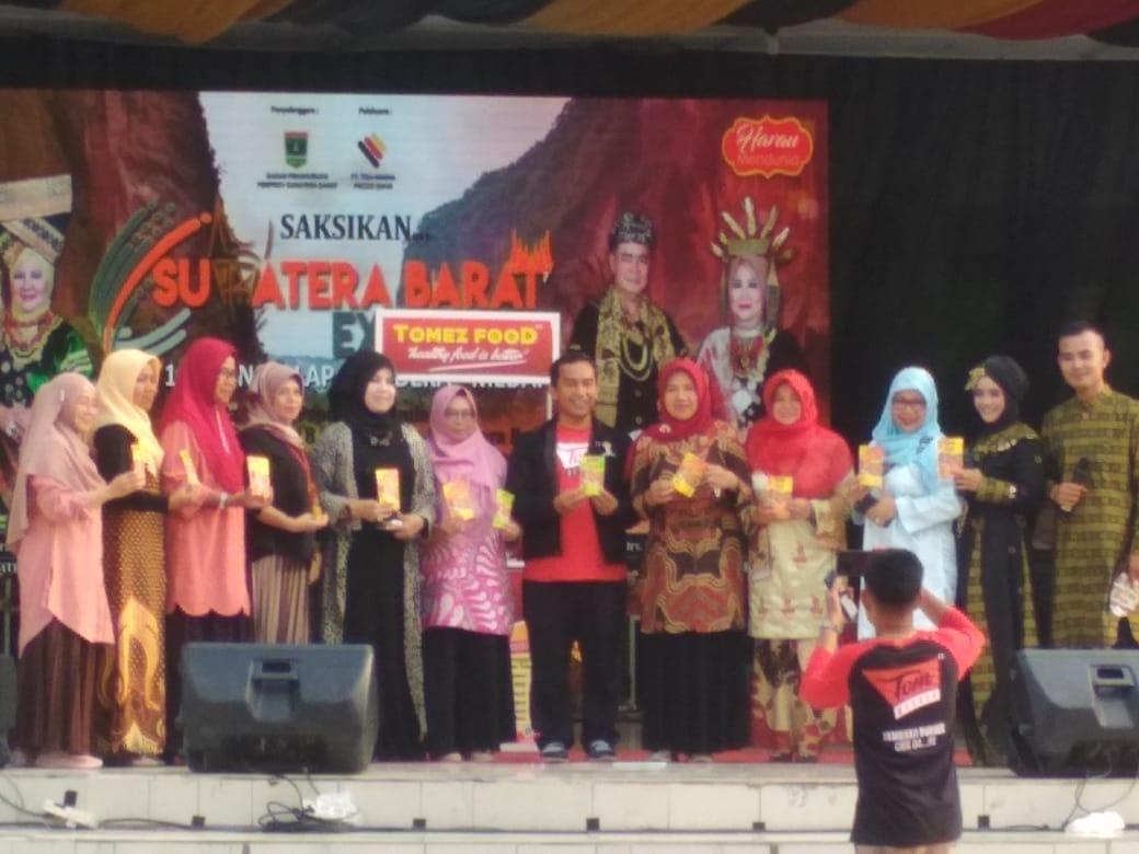 Tim Kesenian dan Kebudayaan Limapuluh Kota Berhasil Memukau Masyarakat Medan